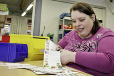 Marina Geißler works in a Bethel workplace for people with disabilities.